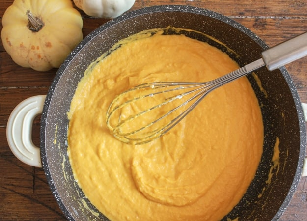 Creamy Squash Fusilli Pasta, a delicious fast and easy creamy squash/pumpkin pasta recipe. The perfect weeknight family or friends vegetarian dinner.|anitalianinmykitchen.com