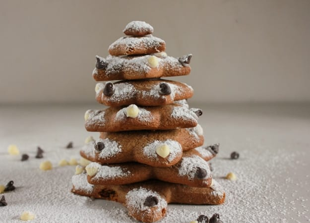Gingerbread cut-out cookies, an easy crispy on the outside and soft on the inside delicious gingerbread recipe, cutout a tree too, with an easy icing. anitalianinmykitchen.com
