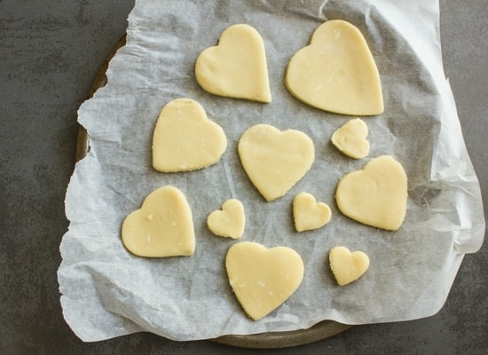 valentine chocolate dipped heart cookies|anitalianinmykitchen.com