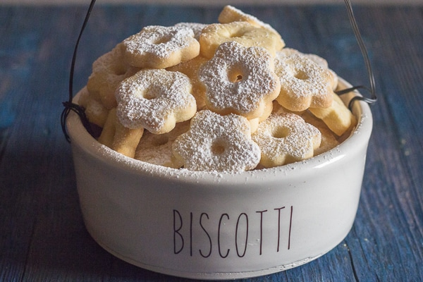 canestrelli in a cookie jar