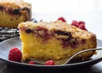 Wild Berry Crumb Cake, a fast and easy homemade breakfast, snack or coffee cake. Red berries or blueberries make it a yummy cake recipe.