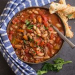 Easy Homemade One Pot Chili, the best ground beef Chili recipe. Full of beans, meat and veggies and so tasty.