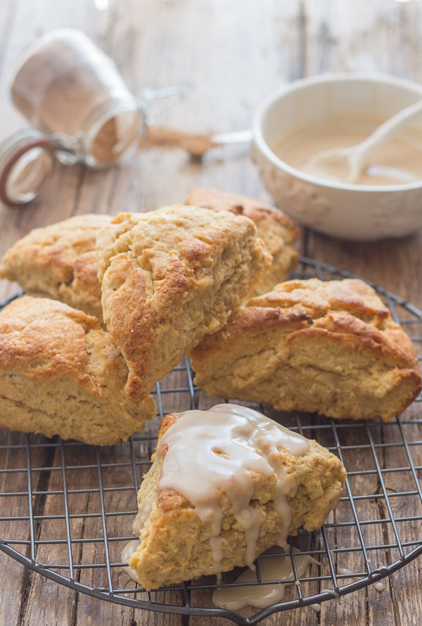 Maple Glazed Brown Sugar Cinnamon Scones, the best and so easy Scone recipe. Perfect for snack or breakfast. Fast and easy.