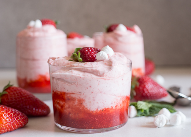 Easy fresh strawberry mousse an italian in my kitchen strawberry mousse in a glass sisterspd
