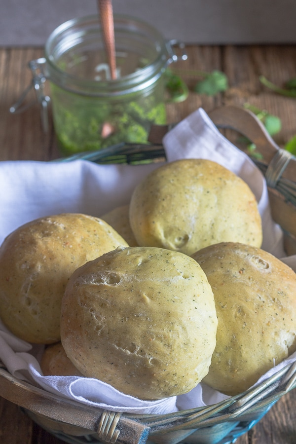dinner rolls in a basket