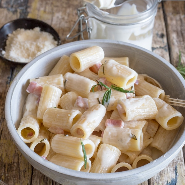mascarpone pasta in a white bowl