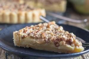 up close apple crostata slice