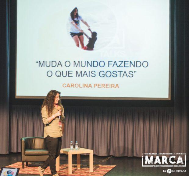 Carolina Salgueiro Pereira numa apresentação de como deixar este mundo melhor.