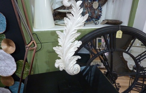 Acanthus decoration on stand