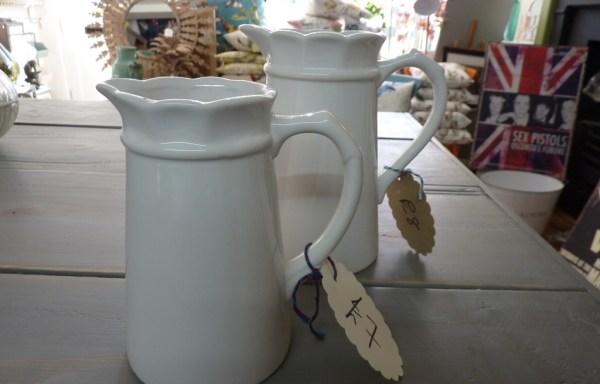 Cream jugs ceramic set of 2