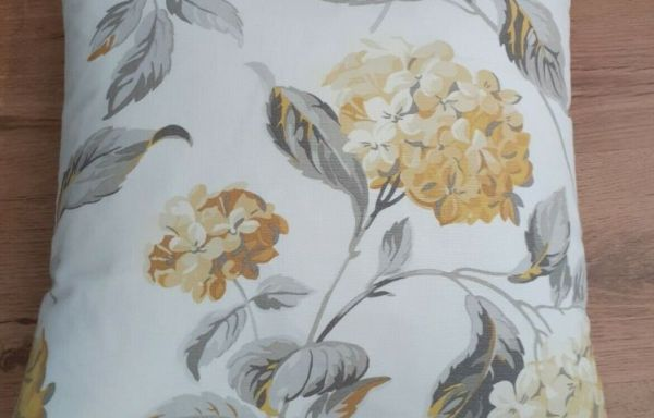 """Laura Ashley Hydrangea Camomile 18"""" Cushion Cover with Feather Inner LAST ONE £20"""
