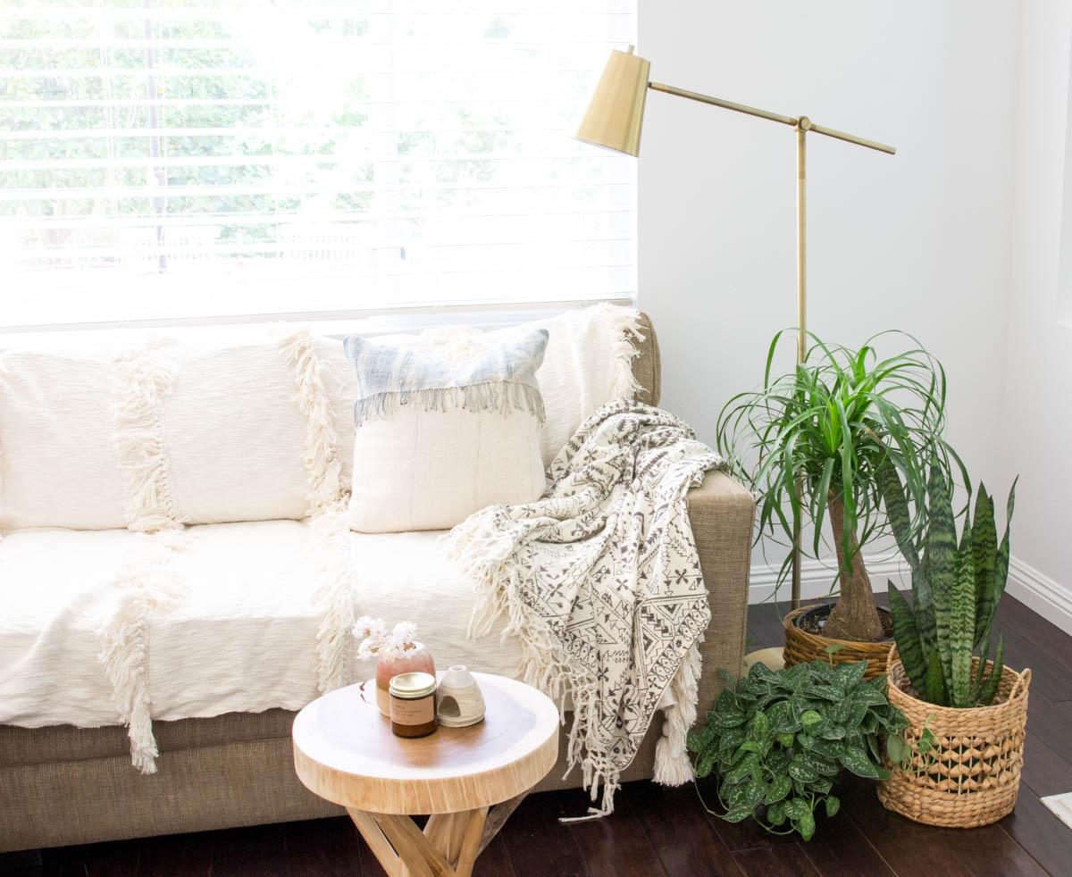 4 exciting ways to update your old sofa - Anita Yokota