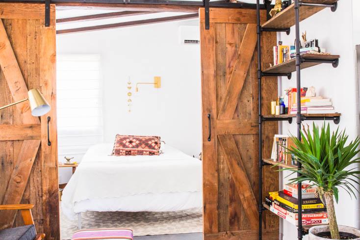 airbnb joshua tree moon cabin bedroom barn doors