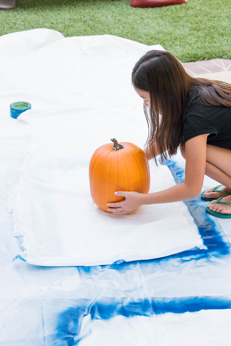 DIY glitter pumpkin halloween decor