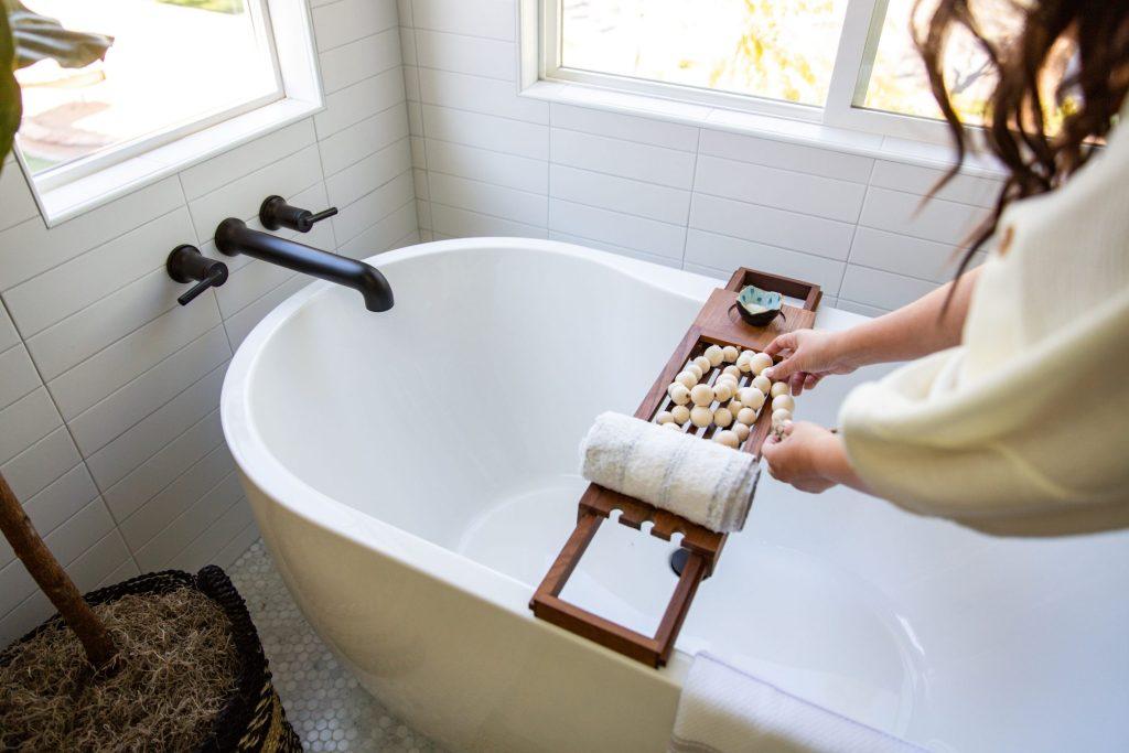 delta free standing tub filler