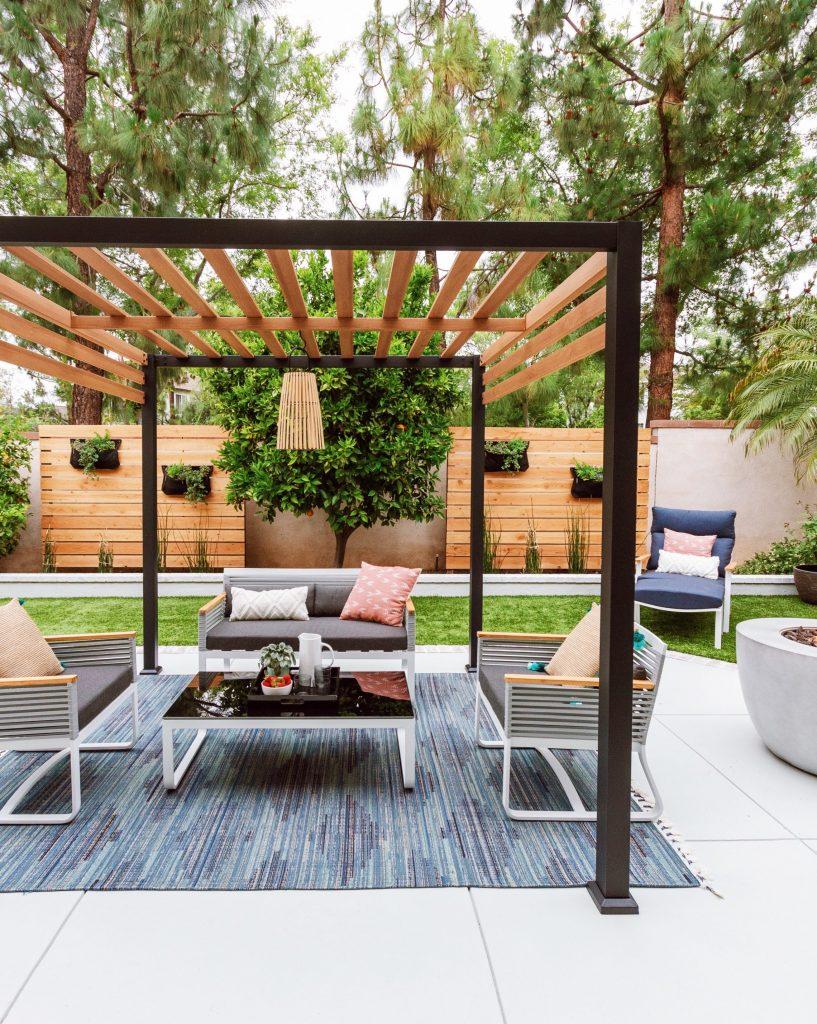 Backyard Makeover Patio Furniture - Anita Yokota on Mid Century Patio Design id=46112