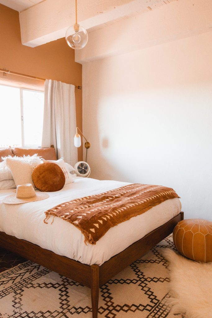 The sunny desert bedroom of Joshua Tree House