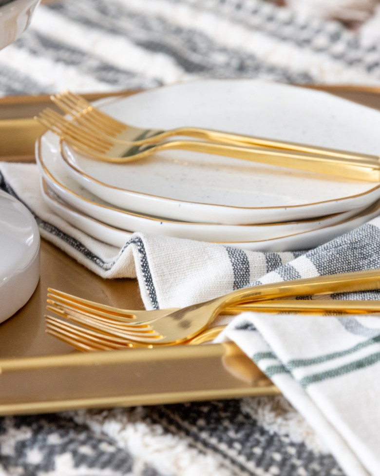 holiday dining tablescape tips