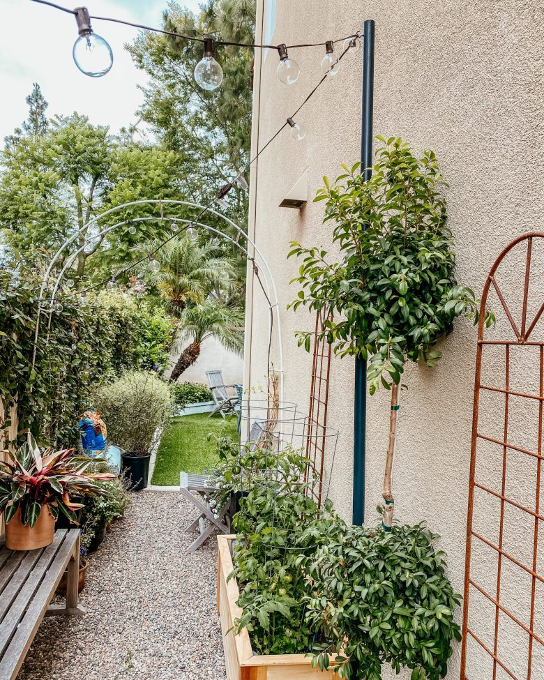 Anita Yokota method anitayokota.com DIY garden pole light