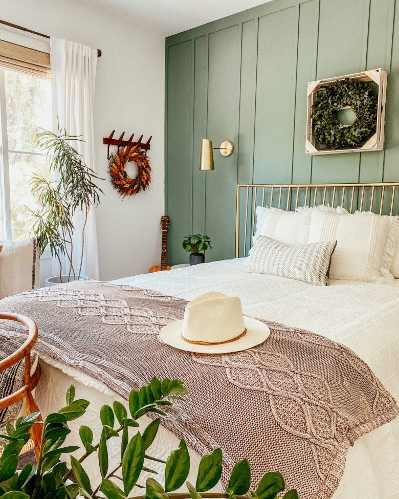anitayokota.com uggs blanket, bed bath and beyond bedding, diy board and batten, fall decor