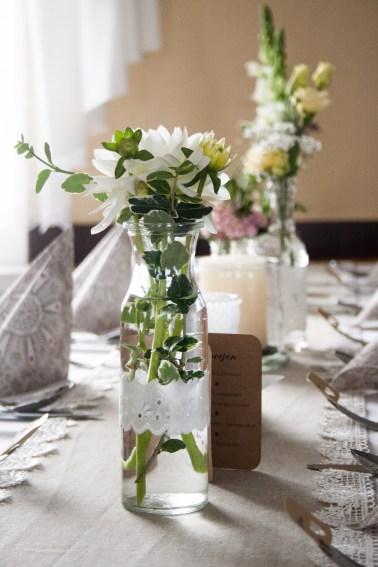 Hochzeitsdeko, Vase mit Dahlie