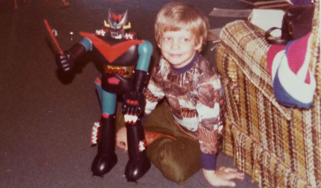 The artist as a young man, posing with Mazinga (not Star Wars-related)