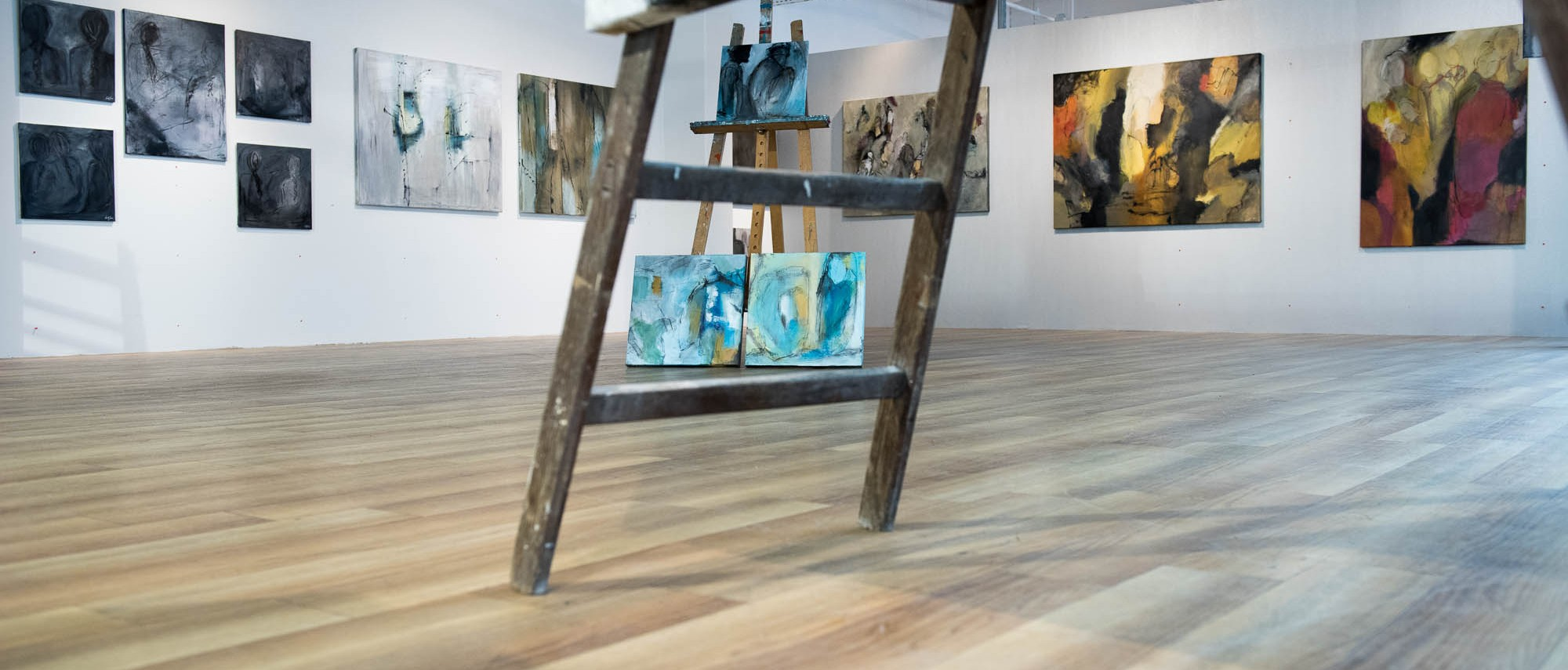 Stor udstilling af Anitta Jonas malerier, Galleri AJ i Holte Midtpunkt!