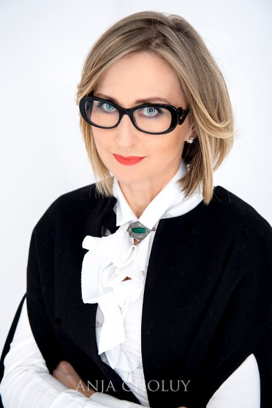 anja choluy business woman white studio