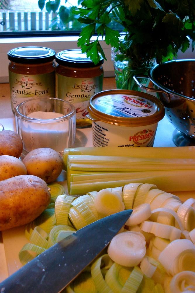 KARTOFFEL /  LAUCH Suppe (1/4)