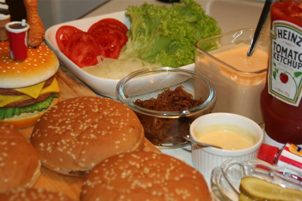 Hamburger  Deluxe - hausgemacht (4/6)
