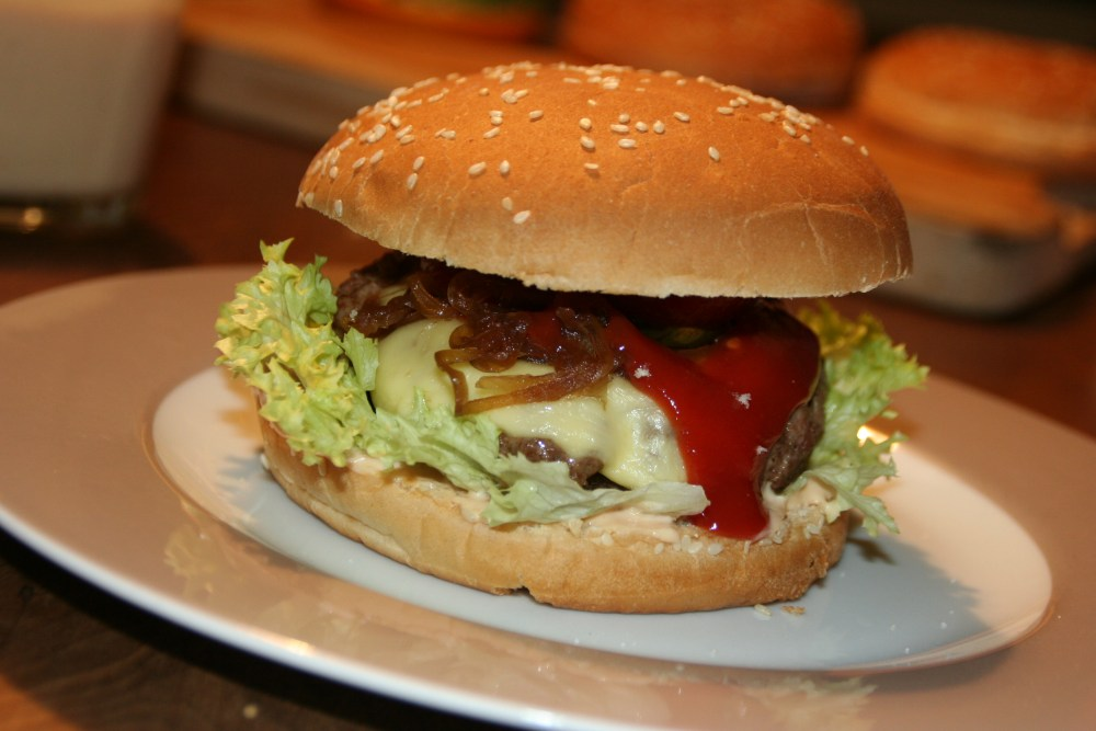 Hamburger  Deluxe - hausgemacht (6/6)
