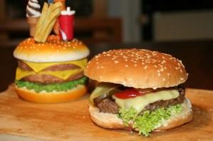 56. Hamburger Deluxe hausgemacht