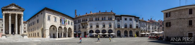Panorama from the Forum - the building with arched windows on the right is the tourist information centre.