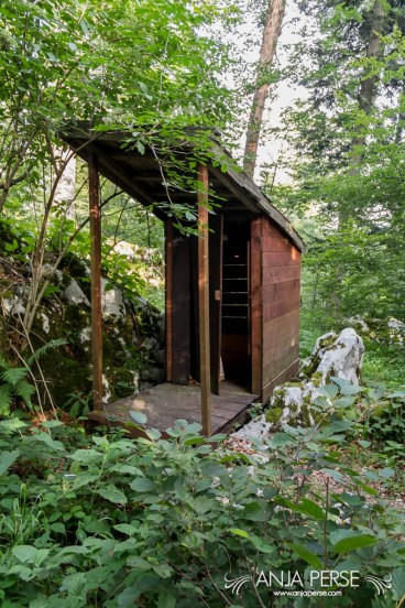 Toilet at Baza 20