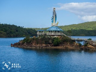 Virgin Mary statue at the harbour at Marinduque