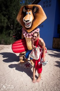 Alex the Lion, you're so naughty!