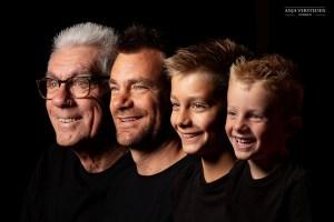 Generatieportret   Familie alle gezichten op een rij