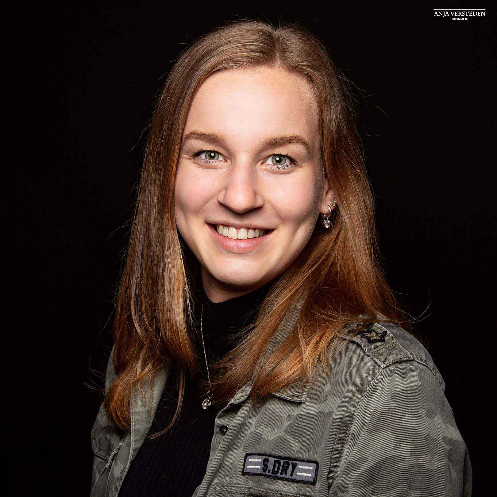 LinkedIn portret   Anja Versteden Fotografie