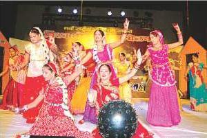 Cultural programme at Agra Bhojpuri Sammelan
