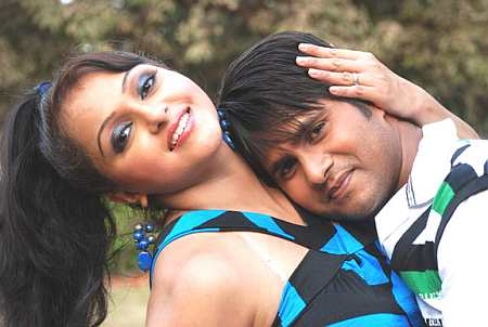 Sonali Joshi and Anil Samrat in Daraar