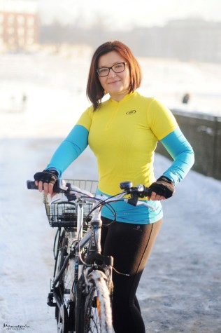Anka Hostyńska, na rowerze
