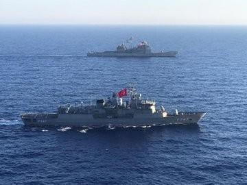 """MSB: """"Akdeniz Kalkanı Harekâtı'nda görevli Türk bayraklı TCG Kemalreis ile ABD bayraklı Eisenhower uçak gemisi tarafından 28 Temmuz tarihinde Orta ve Doğu Akdeniz'de deniz eğitimleri icra edildi."""""""