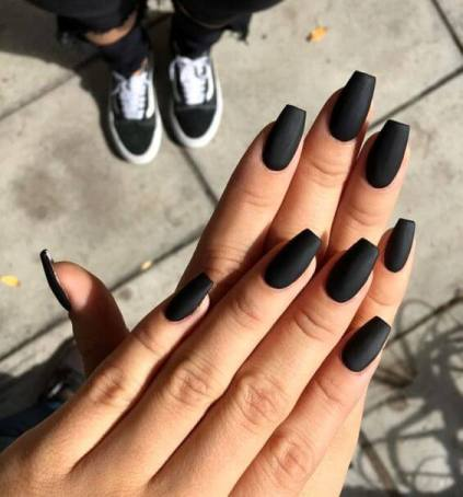 23+ Black Nails with Glitter Nail Art Ideas To Copy In 2021