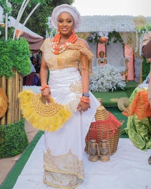 23 Pretty Aso Ebi styles 2020 - The Best in Your Event