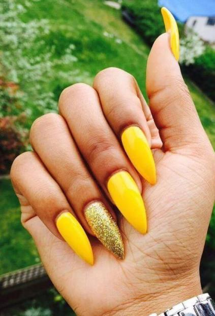 27+ Best Yellow Acrylic Nails to Change Your Appearance