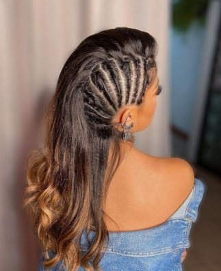 Knot with Side Twists