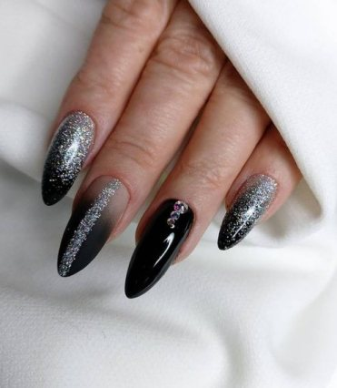 Black shiny nails