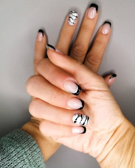 Black Stripe Nails