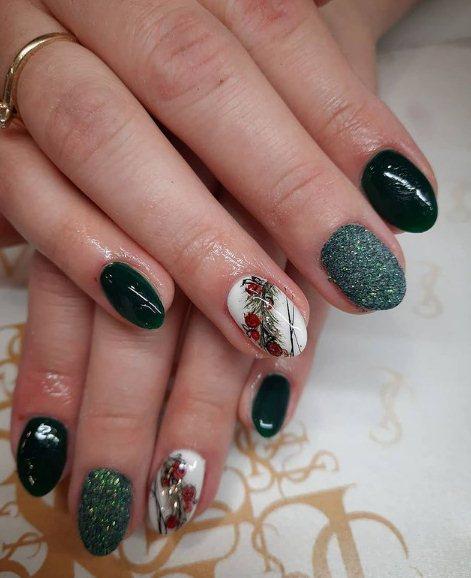 Cute Green Glitter Nails