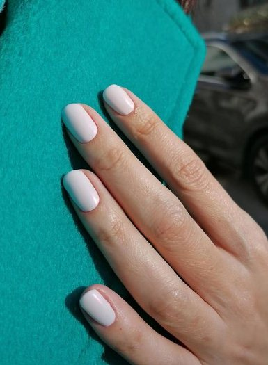 22. Pastel Rounded Nails